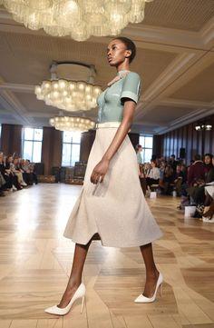 MAG Mode Marina Hoermanseder kann auch 'sehr tragbar'