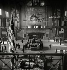 Shorpy Historical Photo Archive :: For Us, Bonds: Chicago Union Station Old Pictures, Old Photos, Vintage Photos, Union Station Chicago, Mega Series, Shorpy Historical Photos, Chicago Pictures, Chicago River, Chicago Lake