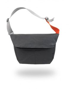"An excellent companion for your office essentials and personal belongings. With folding expansion, two front pockets, a roomy main compartment and a padded laptop pouch, the Messenger is an adaptable tool for modern travelling.ԃ Water-repellent waxed and coated techno-canvas ԃ Accommodates 11""/13"" (Medium) or 11""/13""/15"" (Large) laptopsԃ Multi-functionalԃ Protectiveԃ Creative Living"