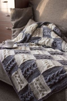 Beautiful textured throw pillows in shades of grey – DiyForYou – Knitting News Cable Knit Blankets, Hand Knit Blanket, Knitted Afghans, Knitted Throws, Crochet Throw Pattern, Crochet Owls, Knitting Blocking, Diy Crafts Knitting, Patchwork Blanket