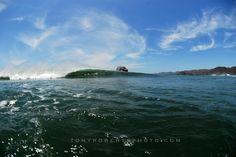 REAL classic sesh at The Rock! #costarica #adventure #travel #surf #surfing #puravida #surfcamp #liveinthesun #livetosurf #costaricasurftrip #lifeisbetterinboardshorts #surftrip #beach