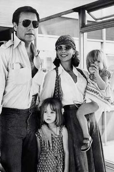 Natalie Wood #chic #mom #style