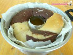 Ciambella brioche bicolore nel Versilia ricetta dolce lievitato con lievito madre, senza burro, senza lattosio per colazione o merenda cotta nel fornetto.