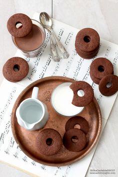 La tana del coniglio: Biscotti al cacao e panna acida
