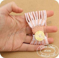 Ravelry: Leah Bracelet pattern by Divine Debris