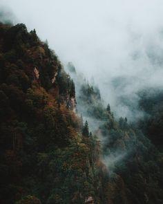 Foggy morning in the mountains of Çamlıhemşin, Turkey // Photo by Berty Mandagie