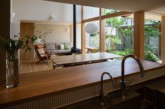 内庭・外庭の家|横内敏人建築設計事務所 Cafe Concept, Japanese Interior, Japanese House, Designs To Draw, Home Projects, House Plans, Cottage, House Design, Interior Design