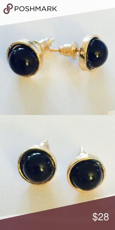 ❗️1 LEFT Anthropologie Black Round Earrings ❗️Anthropologie Black Round Earrings. Feel free to make an offer! I'm giving to the first reasonable offer I receive & give great bundle deals! Moving Clearout Sale--all must go! ;-) Anthropologie Jewelry Earrings