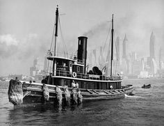 Watuppa, from waterfront, Brooklyn, Manhatten © Berenice Abbott - great photographer