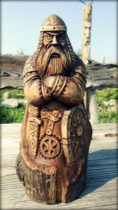 All Things Heathen,Viking and Heathen Related Clot - Wood Carving Designs Wood Carving Designs, Wood Carving Patterns, Wood Carving Art, Wood Art, Wood Carvings, Wood Sculpture, Sculptures, Whittling Wood, Norse Pagan