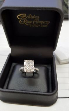 Kayla Rae Reid accepted a massive diamond engagement ring from Ryan Lochte on Sunday, October 9, and Stylish has all the details — get them here and see the bling up close!