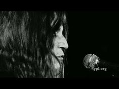 "Patti Smith Performs ""My Blakean Year"" - LIVE Shorts"