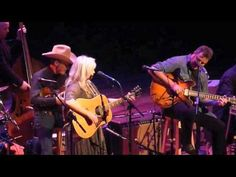 Emmylou Harris & Vince Gill, Making Believe Old Country Songs, Country Western Singers, Country Music Videos, Country Music Stars, Music Songs, My Music, Beating The Blues, Emmylou Harris, Vince Gill