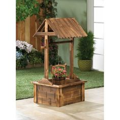 Charming Wishing Well Garden Planter