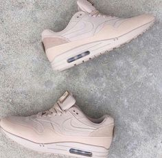 13 Best 000 nude color images   Athletic Shoes, Nike shoes, Athletic ... 35485ae8e2d9