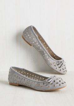 Always a Scholastic Flat. Your traditional sensibilities are smartly brought to life with every wear of these grey flats. #grey #modcloth