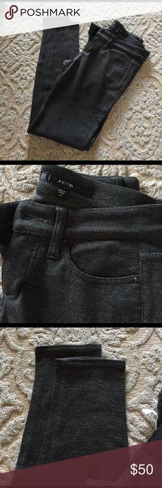 Joes Sz 25 Gray skinny pants Just like jeggings only gray. Mint condition Joe's Jeans Pants Skinny