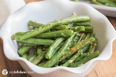 Baked Garlic Green Beans are a simple anddelicious side dish that will complimentany main entree. Crunchy green beans and roasted garlic, make this one easy yummy side! Jump to Recipe  Everybody loves veggies right?? Wrong!! I am not a huge veggie fan and I hate that I am so picky. I absolutely adore my …