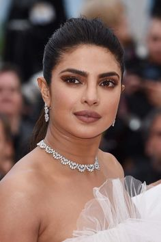 "Priyanka Chopra Photos - Priyanka Chopra attends the screening of ""Les Plus Belles Annees D'Une Vie"" during the annual Cannes Film Festival on May 2019 in Cannes, France. - 'Les Plus Belles Annees D'Une Vie' Red Carpet - The Annual Cannes Film Festival Face Shape Hairstyles, Round Face Haircuts, Hairstyles For Round Faces, Short Hair Cuts For Round Faces, Short Hair Cuts For Women, Haircut For Thick Hair, Cute Hairstyles For Short Hair, Thin Hair, Bob Hairstyles"