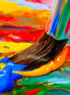 Top painting ideas for children. Teach them a variety of painting techniques to create some masterpieces and encourage their creativity to flow. Girls Room Paint, Top Paintings, Painting Wood Paneling, Painted Wood Walls, Child Teaching, Diy Step By Step, Painted Christmas Ornaments, Rainy Day Activities, Rose Art