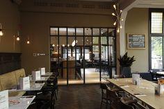 In samenwerking met Barbiers Originals, Cabana Interior en uitgevoerd door de Hoop, een aantal interieur elementen voor Loetje te Gorssel.