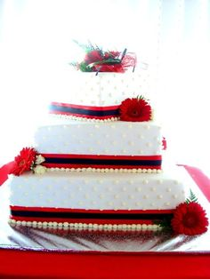 Red Cakes #wedding #cake