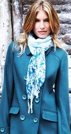 How to Wear a Pashmina Scarf - Long Tall Sally (http://www.prshots.com/LongTallSally/Image.aspx?image=160176)