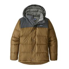 The windproof and water-resistant Patagonia Boys' Bivy Down Hoody is insulated with Recycled Down for toasty warmth all season long. Boys Winter Coats, Winter Jackets, Patagonia Outdoor, Outdoor Coats, Fleece Vest, Teen Boys, Outdoor Outfit, Full Zip Hoodie, Vest Coat
