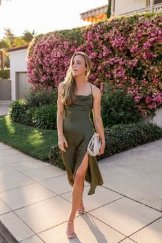 I searched high and low for the best fall wedding guest dresses of 2021 under $200, and this is what I found! #fallweddingguestdress #fallweddingguestoutfit #fallweddingguest Blush Dresses, Fall Dresses, Party Dresses, Evening Dresses, Casual Dresses, Casual Fall Wedding, Wedding Guest Style, Wedding Week, Classy Winter Outfits