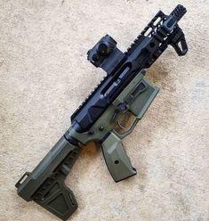 AR Pistol in OD Green with red dot Ar Pistol Build, Ar15 Pistol, Ar Build, Weapons Guns, Airsoft Guns, Guns And Ammo, Molon Labe, Ar 15 Builds, Battle Rifle