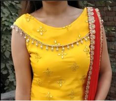 You can raise your blouse designs to another level by going for beautiful front new model blouse neck designs. These latest blouse back neck designs and patterns would make your blouse look stunnin… Latest Blouse Neck Designs, Chudidhar Neck Designs, Salwar Neck Designs, Saree Blouse Neck Designs, Kurta Neck Design, Neck Designs For Suits, Neckline Designs, Fancy Blouse Designs, Dress Neck Designs