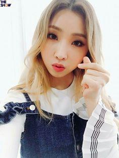 minzy, minji, kpop, Gong Minji, 공민지 2ne1 Minzy, 2ne1 Dara, Cl 2ne1, The Band, South Korean Girls, Korean Girl Groups, Kpop Girl Bands, Sandara Park, Cute Faces