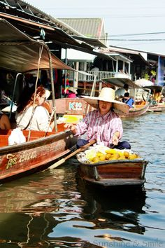 The Floating Market in Thailand   It was an amazing experience | Playful Cooking