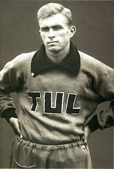 "Tapio  ""Tapsa"" Rautavaara (8 March 1915  – 25 September 1979) was a Finnish athlete, singer, and film actor. -  http://en.wikipedia.org/wiki/Tapio_Rautavaara"