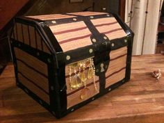 Diy Tutorial: Diy Cardboard / Diy Simple Cardboard Pirate Treasure Chest Gift…