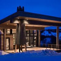 Lower Foxtail Residence located in Yellowstone Club, was designed by Reid Smith Architects & Teton Heritage Builders. Yellowstone Club is a Montana, Beautiful Homes, Beautiful Places, Beautiful Dream, Villa, Hotels, Expensive Houses, Mountain Homes, Mountain Modern