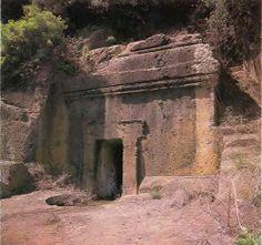 Blera, tomba etrusca a semidado