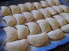 Per questa ricetta devo assolutamente ringraziare Mapyxa, un'amica sul forum cucina diAlfemminile, qui trovate la sua ricetta che io vi ... Italian Cookie Recipes, Italian Cookies, Italian Desserts, Mini Desserts, Biscotti Biscuits, Biscotti Cookies, Biscuit Dessert Recipe, Ricotta Dessert, Mezze
