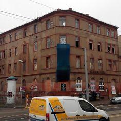 Das ehemalige #Hotel #Goldener #Löwe in #Leipzig Möckern. Interessant ist, dass direkt angrenzend eine ungenutzte Lagerhalle von 800m² steht, die auch aufs Wachküssen wartet.  Vielleicht ein Platz für #CoDIRECT?!?