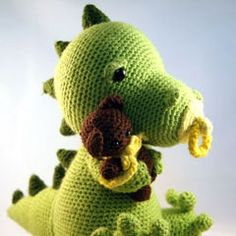 crochet baby dragon.