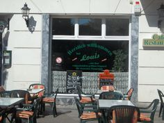 Restaurant Louis, Richardplatz in Neukölln and the biggest Schnitzel in Berlin.....as they say