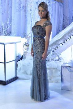 Sasha Pieterse New PLL Christmas Pic.