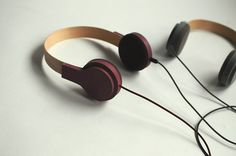 Fusefones are a line of intelligent headphones that are designed for sharing.