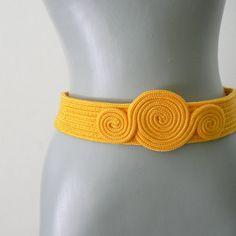 yellow .vintage. (rope) belt