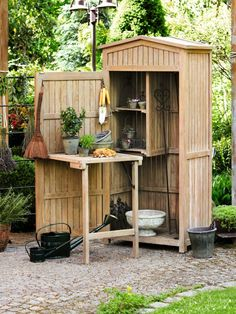 Build A Shed 668432769683124962 - Simple storage shed plans free. We have these easy DIY Shed Plans and Ideas that will help you build a beautiful shed. Source by hlegentilhomme Garden Tool Shed, Garden Storage Shed, Small Garden Storage Ideas, Storage Shed Kits, Small Sheds, Diy Shed Plans, Backyard Sheds, Garden Yard Ideas, Potting Sheds