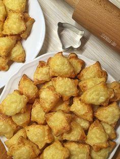 Ilyen finomat még nem ettél: sajtos-túrós harangocskák – Smuczer Hanna Ethnic Recipes, Food, Image, Essen, Meals, Yemek, Eten