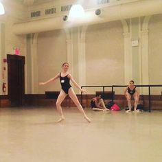 @irinaandmaxsummerintensive Jumps technique! @pitbull_estrada #irinadvorovenko #maximbeloserkovsky #nysummerintensive #ballet #jumps #irinaandmaxsummerintensive #insideballet
