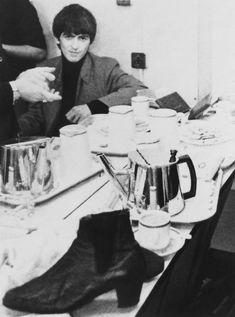 George Harrison Backstage, 1963