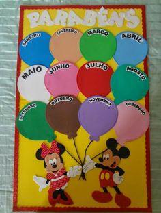 Birthday Calendar Classroom, Birthday Bulletin Boards, Birthday Board, School Wall Decoration, School Decorations, Preschool Classroom Themes, Preschool Activities, Kindergarten Calendar, Class Birthdays
