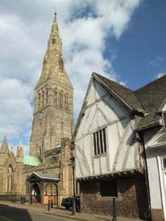 Leicester Cathedral with Guildhall to the right. If the remains found at Grey Friars turn out to be Richard III here is where he will lie.